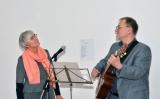 Friedo Niepmann-mit-Martina-Henning-beim-Bildkastengesang-mit-dem-AKW-Lied