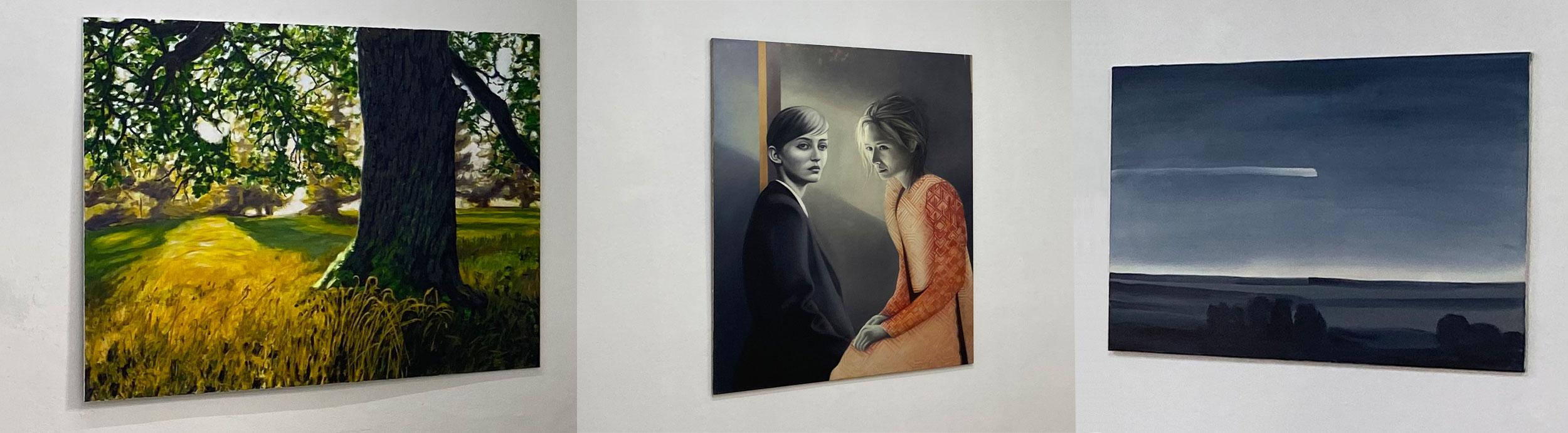 Zu sehen sind 3 unterschiedliche Bilder, die gemalte Wirklichkeit abbilden. Links ist eine sonnendurchflutete Wiese zu sehen, in der Mitte zwei Frauen und ganz rechts eine nächtliche Landschaft mit einem Kometen.